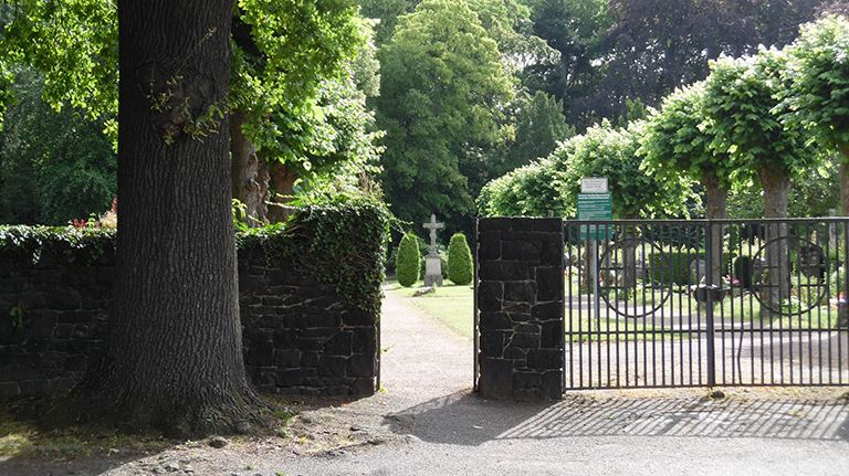 Eingang zum Friedhof Stadt Bornheim