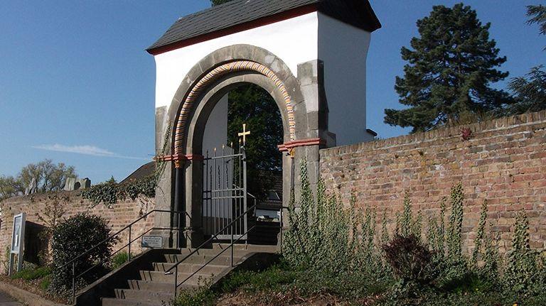 Eingang zum Friedhof Bornheim-Merten